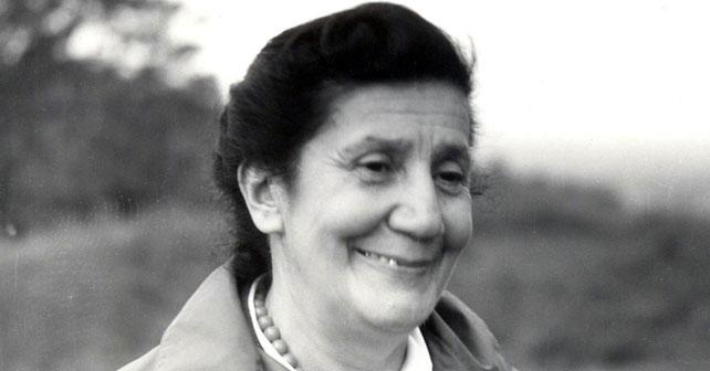 Na fotografiji je prikazan pisac, pesnik: Desanka Maksimović