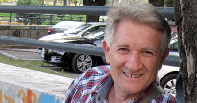 Na fotografiji je prikazan pevač: Novica Zdravković
