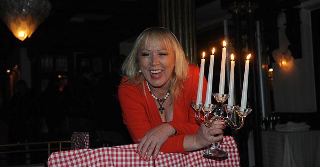 Na fotografiji je prikazan pevačica: Zorica Marković (pevačica)
