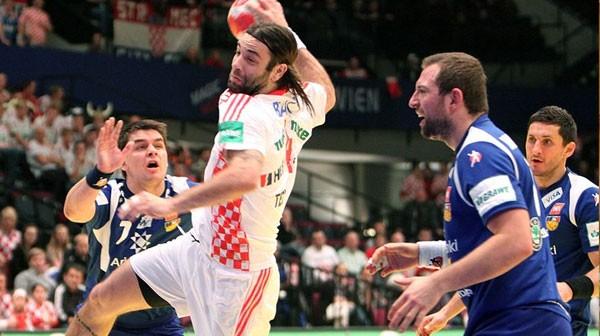 Na fotografiji je prikazan rukomet: Ivano Balić