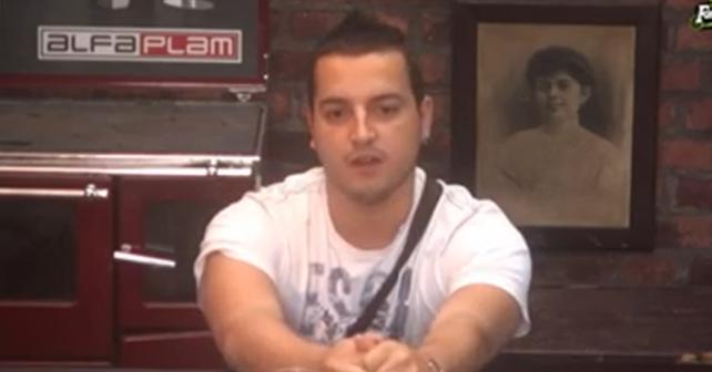 Na fotografiji je prikazan pevač: Alen Muković