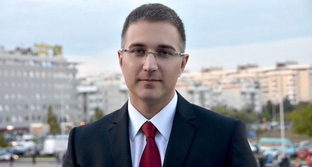 Na fotografiji je prikazan političar, ministar: Nebojša Stefanović