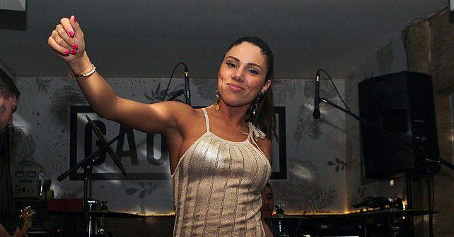 Na fotografiji je prikazan pevačica: Sandra Afrika (Sandra Prodanović)