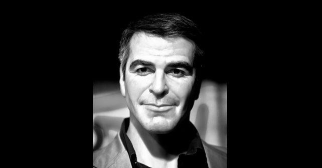Na fotografiji je prikazan glumac: Džordž Kluni (George Clooney)