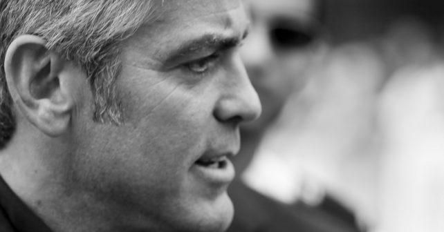 Na fotografiji je prikazan glumac: George Clooney (Džordž Kluni)