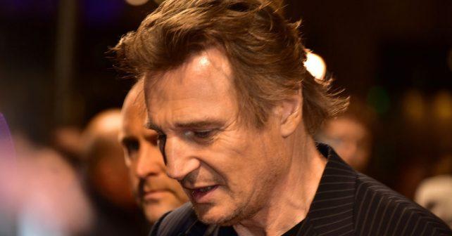 Na fotografiji je prikazan glumac: Liam Neeson (Lijam Nison)