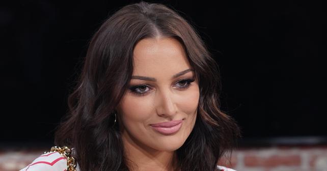 Na fotografiji je prikazan pevačica: Aleksandra Prijović