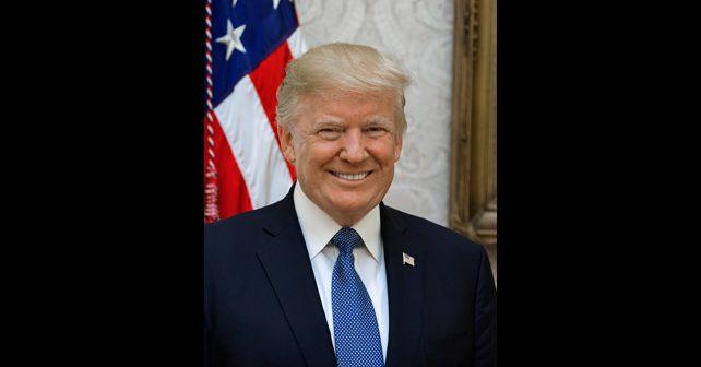 Na fotografiji je prikazan preduzetnik, političar, predsednik sad: Donald Džon Tramp (Donald John Trump)