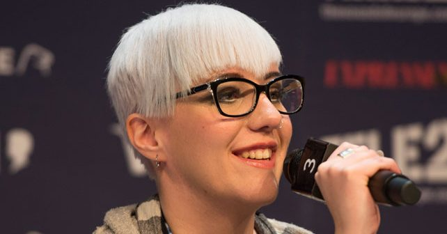 Na fotografiji je prikazan pevačica, glumica: Nina Kraljić