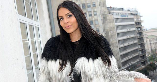 Na fotografiji je prikazan pevačica, model, student: Anastasija Ražnatović