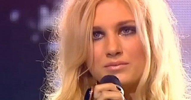 Na fotografiji je prikazan pevačica: Nevena Božović