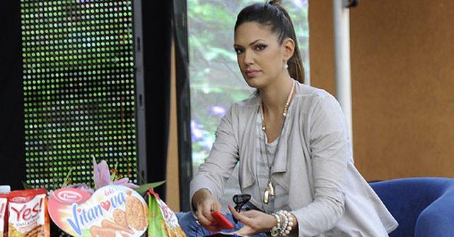 Na fotografiji je prikazan voditeljka, manekenka: Nina Radulović Lečić