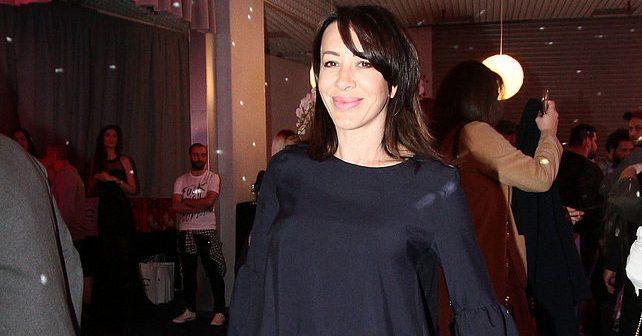 Na fotografiji je prikazan pevačica: Romana Panić