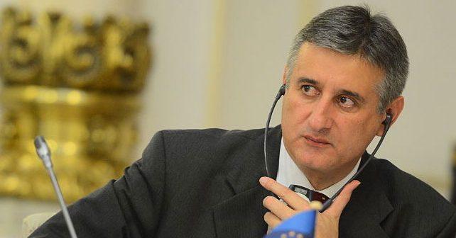Na fotografiji je prikazan političar: Tomislav Karamarko