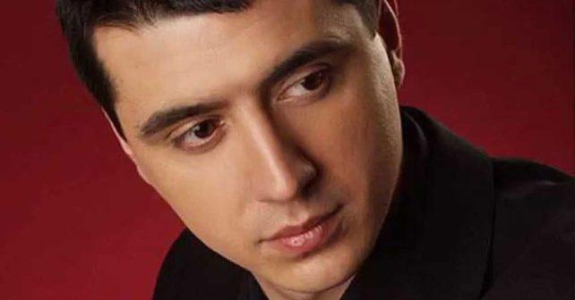 Na fotografiji je prikazan pevač: Marko Bulat