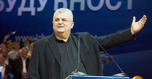 Na fotografiji je prikazan političar: Nenad Čanak