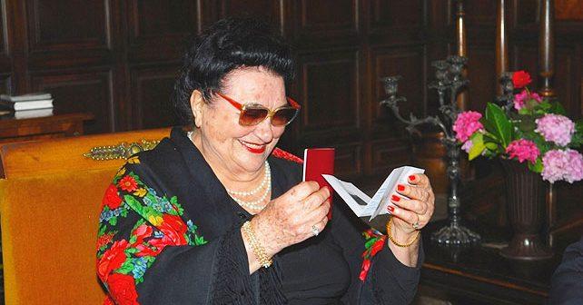 Na fotografiji je prikazan prva dama, potpukovnik jna: Jovanka Broz