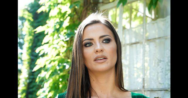 Na fotografiji je prikazan pevačica: Milica Pavlović