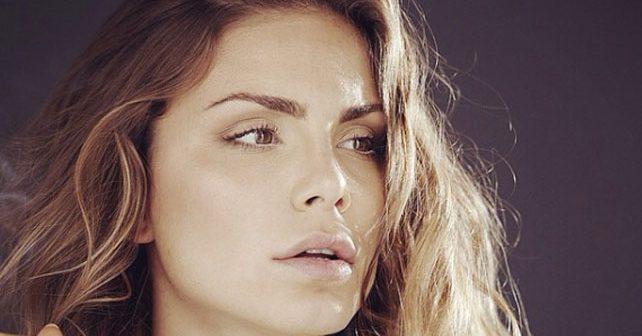 Na fotografiji je prikazan manekenka, glumica, voditeljka: Nina Seničar