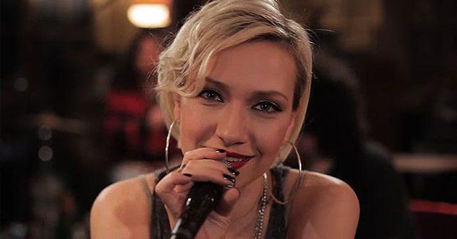 Na fotografiji je prikazan pevačica: Mirela Priselac Remi