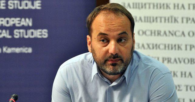 Na fotografiji je prikazan pravnik, ombudsman, političar: Saša Janković