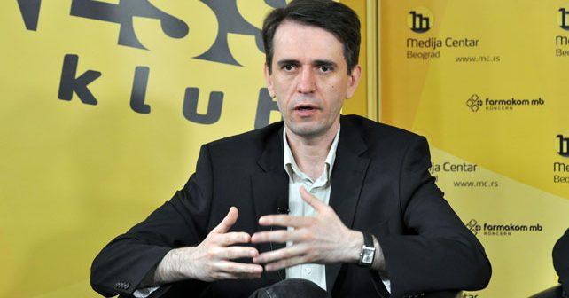 Na fotografiji je prikazan političar: Saša Radulović