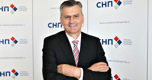 Na fotografiji je prikazan političar: Milan Stamatović
