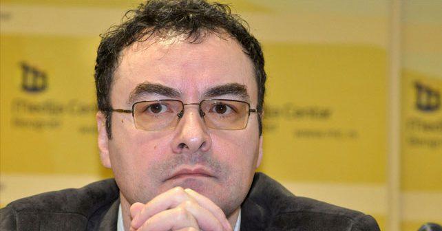 Na fotografiji je prikazan sociolog: Jovo Bakić
