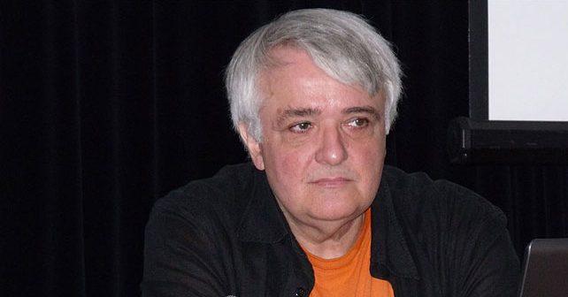 Na fotografiji je prikazan novinar, pronalazač: Voja Antonić