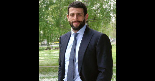 Na fotografiji je prikazan vaterpolist, političar: Aleksandar Šapić