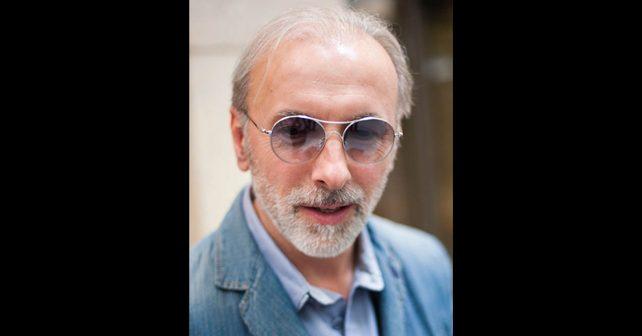 Na fotografiji je prikazan pevač, muzičar, kantautor: Dino Merlin (Edin Dervišhalidović)