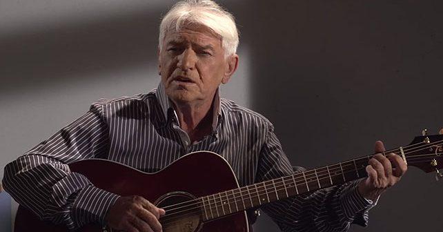 Na fotografiji je prikazan pevač, kantautor: Kemal Monteno