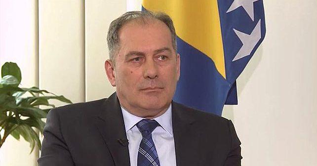Na fotografiji je prikazan političar, kriminalni inspektor: Dragan Mektić