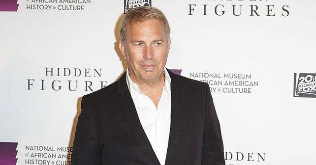 Na fotografiji je prikazan glumac, režiser, producent, muzičar: Kevin Costner