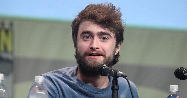 Na fotografiji je prikazan glumac, režiser: Danijel Redklif (Daniel Radcliffe)