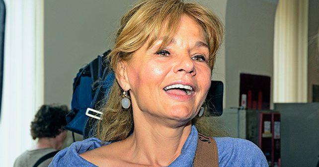 Na fotografiji je prikazan novinarka, književnica, voditeljka, slikarka: Mirjana Bobić Mojsilović