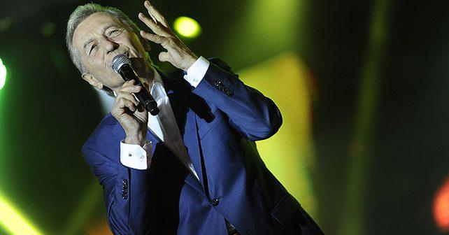 Na fotografiji je prikazan pevač: Miroslav Ilić