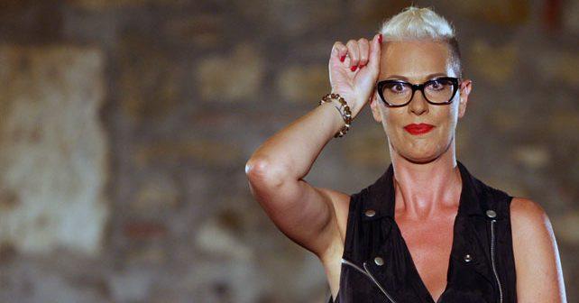 Na fotografiji je prikazan pevačica: Tijana Dapčević
