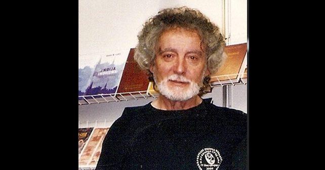 Na fotografiji je prikazan pisac, književnik: Dobrica Erić
