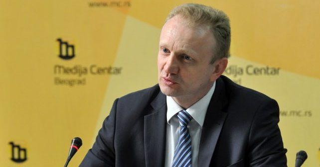 Na fotografiji je prikazan političar, inženjer mašinstva (vazduhoplovstvo): Dragan Đilas