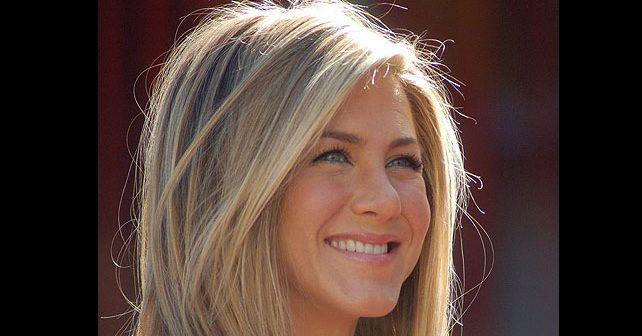 Na fotografiji je prikazan glumica, producent, preduzetnik: Dženifer Aniston