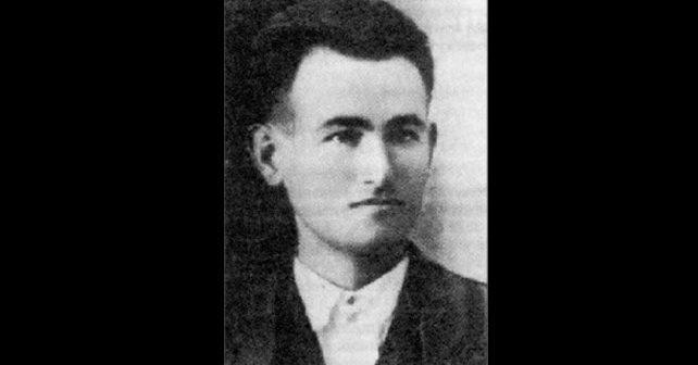 Na fotografiji je prikazan književnik, pisac, pesnik: Momčilo Tešić
