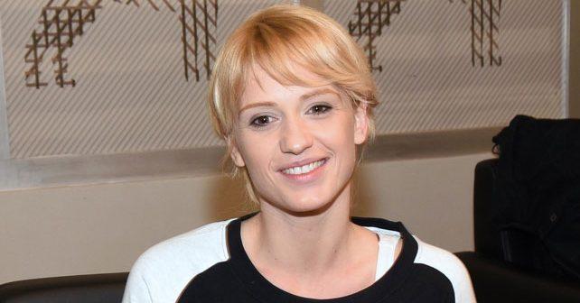 Na fotografiji je prikazan glumica, pevačica: Anja Mit