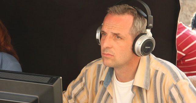 Na fotografiji je prikazan komunikolog, režiser, profesor: Nikša Sviličić