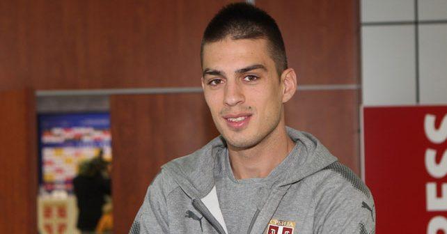 Na fotografiji je prikazan fudbaler: Vujadin Savić