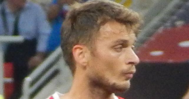 Na fotografiji je prikazan fudbaler: Adem Ljajić