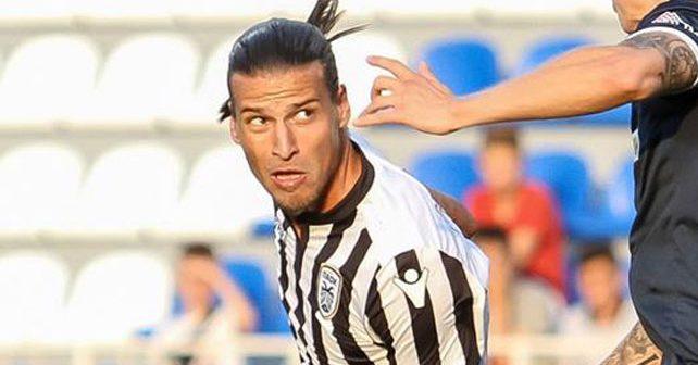 Na fotografiji je prikazan fudbaler: Aleksandar Prijović