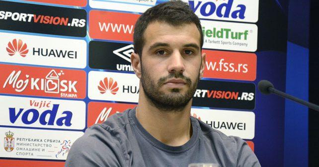 Na fotografiji je prikazan fudbaler: Luka Milivojević