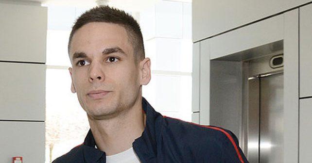Na fotografiji je prikazan fudbaler: Mijat Gaćinović