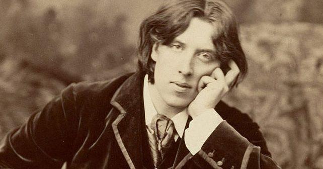 Na fotografiji je prikazan književnik, pesnik: Oskar Vajld (Oscar Wilde)